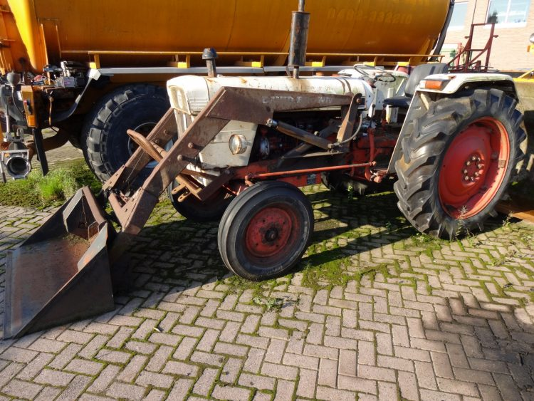 David Brown 990 - Oldtimer tractor